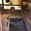 竹細工の仕事は丁寧で素人によるものには見えないほど。